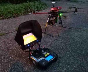 Drone et caméra thermique avec radiocommande