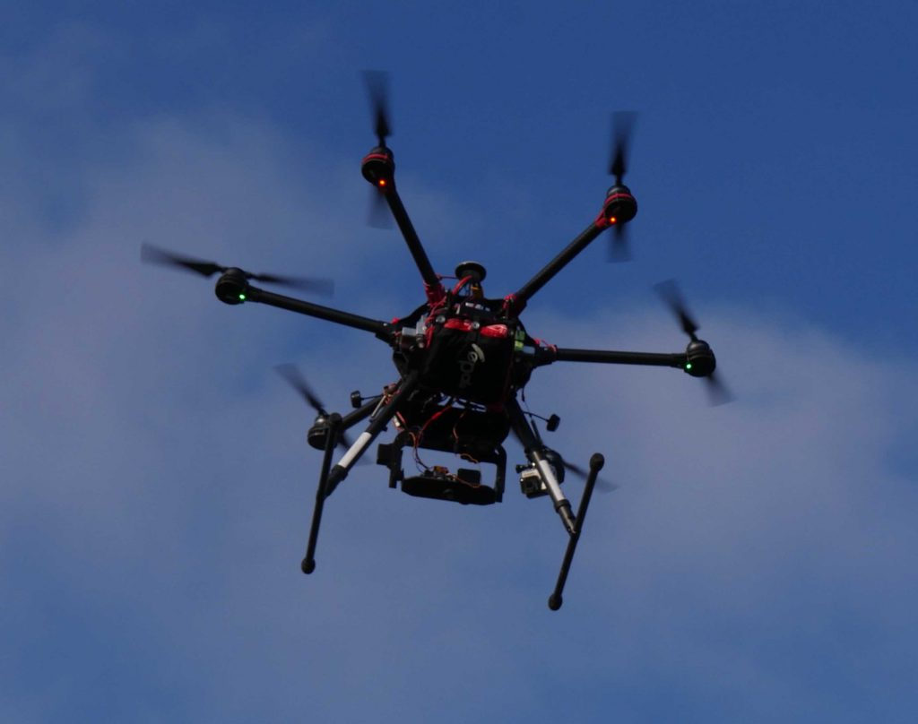 Drone en vol pour photogrammetrie