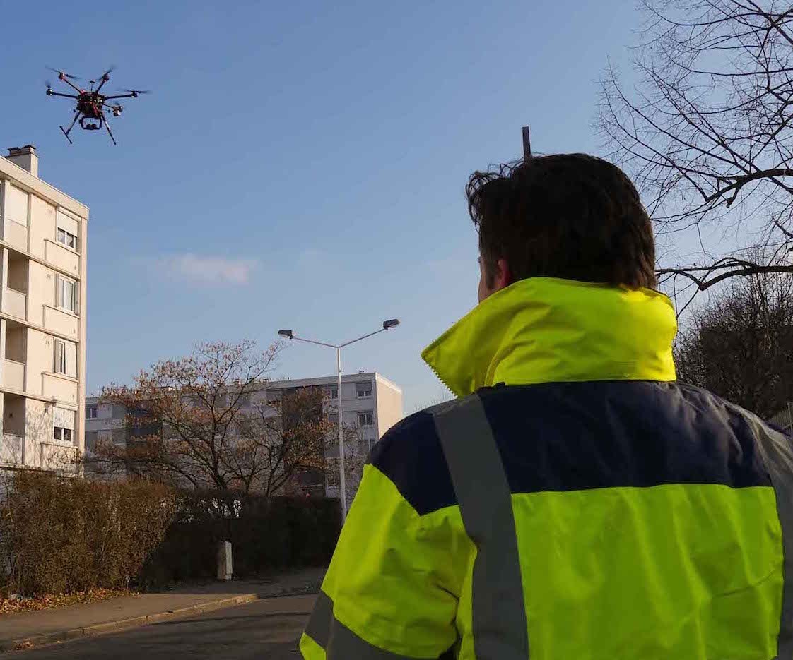 Pilote avec drone pour inspection thermique centrale photovoltaïque