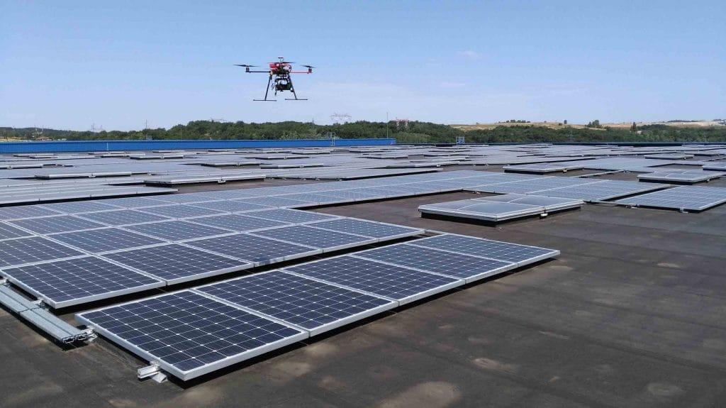 Drone pour inspection thermique de panneaux solaires